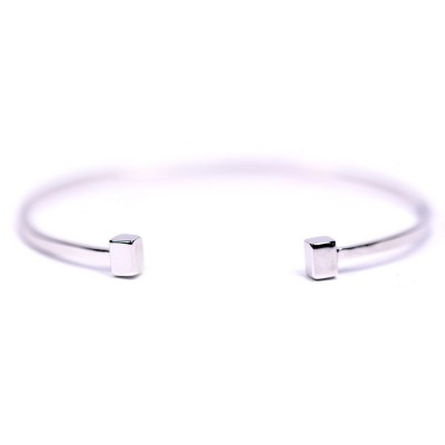 Delicate Open Bangle With Square Shape Finish